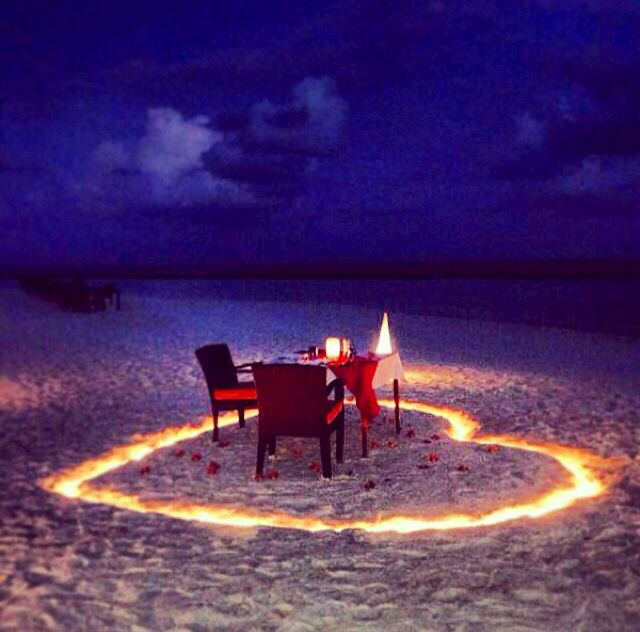 Romantic ideas - jahaz restaurant - romantik fikirler- beach-kumsal- honeymoon - balayi