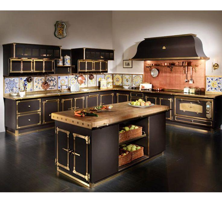 Oltre 25 fantastiche idee su cucine scure su pinterest - Cappe in rame per cucine ...
