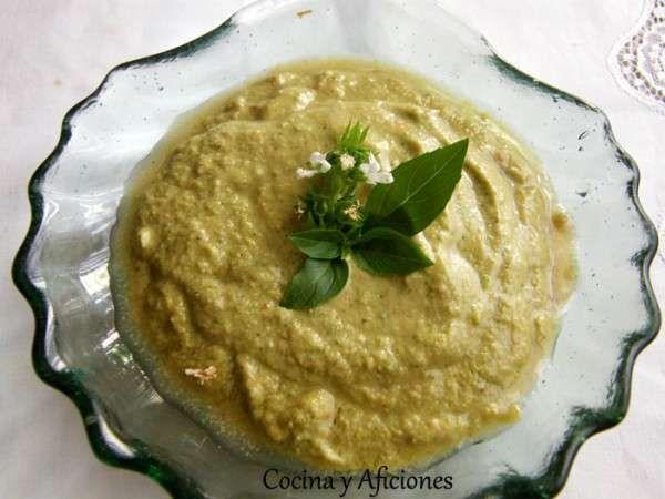 Pate o dip verde de queso freso y hierbas