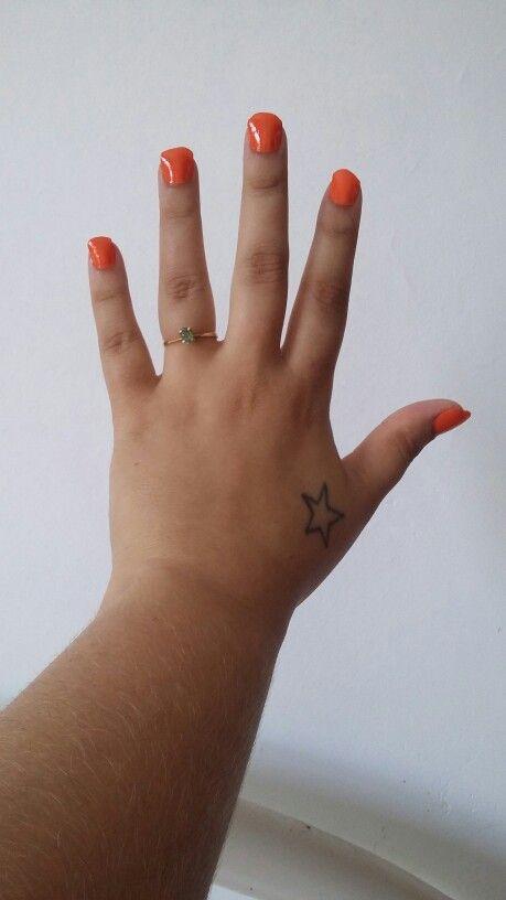 Tattoo estrela mão vício verão unhas