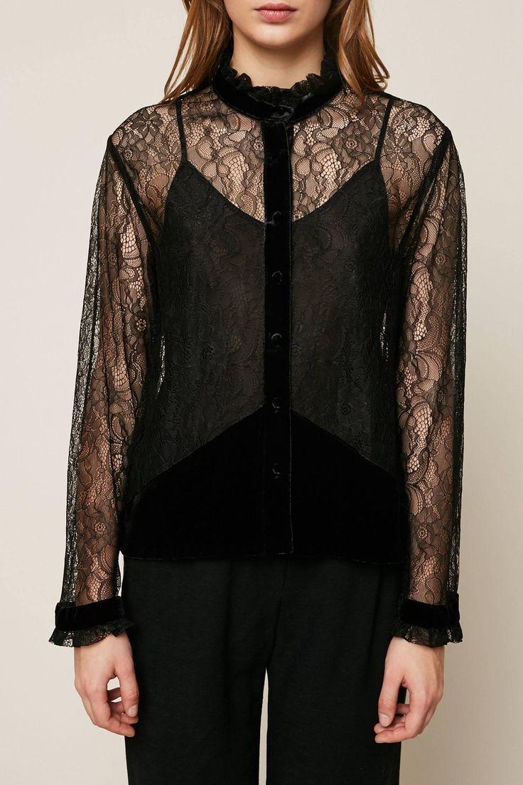 blog-de-mode-et-tendance-soldes-hiver-2018-chemise-noire-en-dentelle-et-velours-col-victorien-the-kooples-msr