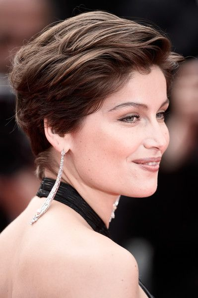 Laetitia Casta Short Side Part - Laetitia Casta opted for a casual short 'do when she attended the Cannes closing ceremony.