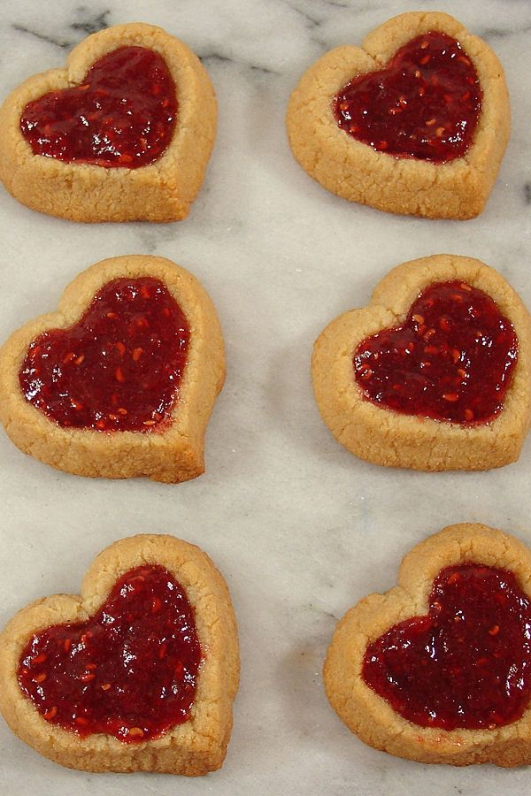 Almond Double Thumbprint Heart ~ Gluten & grain-free, as well as Paleo - Almond shortbread jam cookies for Valentine's Day!