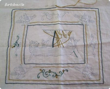 53 best bordados y bayeux images on pinterest embroidery stitches stitches and stitching - Point p bayeux ...