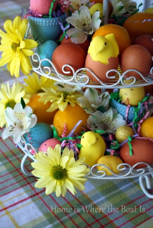 Easter Centerpiece: Easter Dinners, Easter Centerpieces, Spring Parties, Easter Tables, Easter Decor, Tables Display, Fresh Flowers, Easter Peeps, Parties Centerpieces