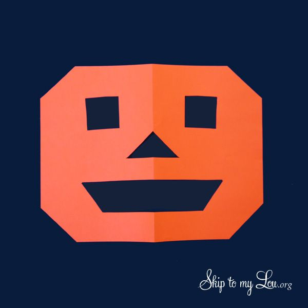 The Little Orange House - Storytelling Activity! Perfect for class parties! www.skiptomylou.org #halloween #halloweencrafts