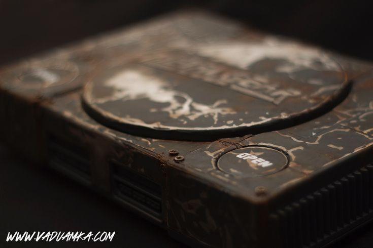 Vadu Amka custom console contribution for a Belgian fan-project dedicated to Hideo Kojima with many artist. #MetalGearSolid #mgs #MGSV #MetalGear #Konami #cosplay #PS4 #game #MGSVTPP