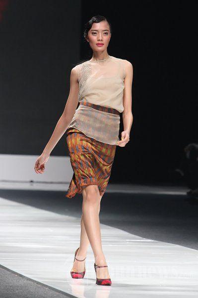 Fashion_Show_Ikat_Indonesia_Didiet_Maulana_3093.jpg