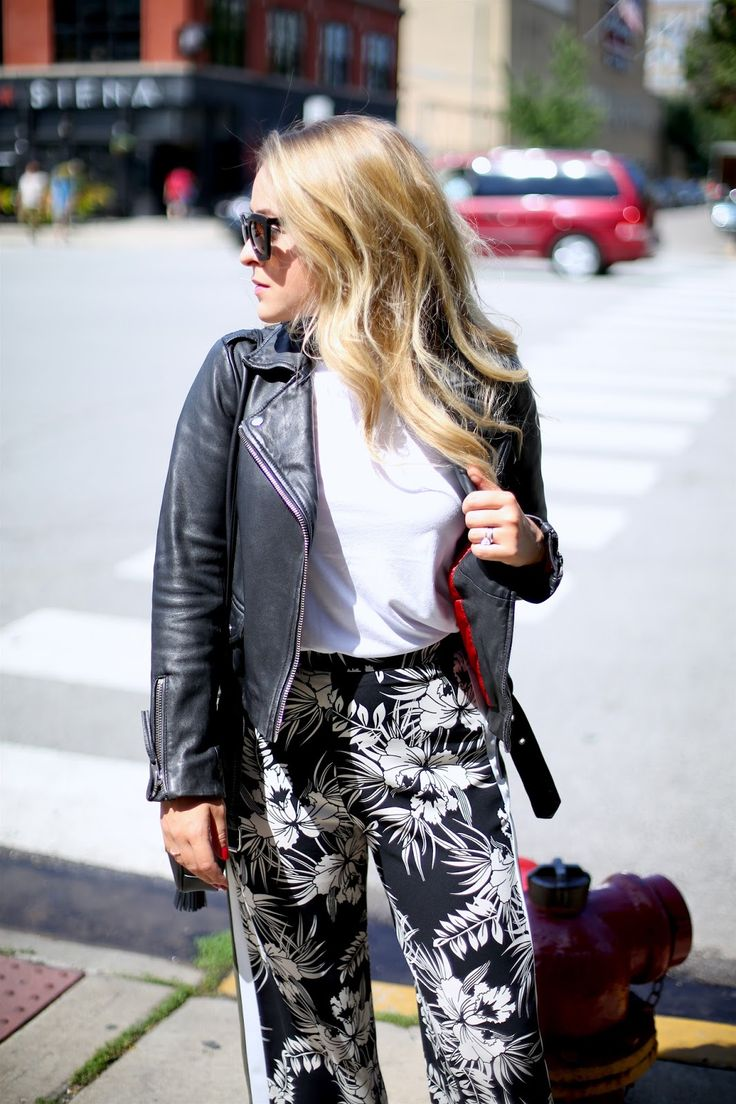 Fleur' style is so simple yet still so stylish! I love the white and black!