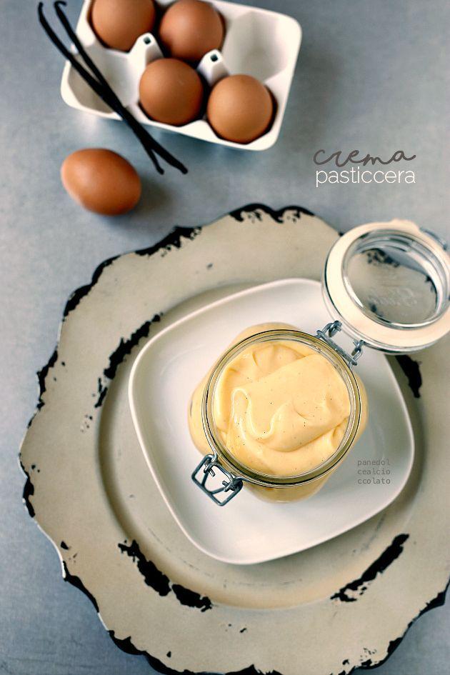 Crema Pasticcera - La ricetta perfetta | PANEDOLCEALCIOCCOLATO