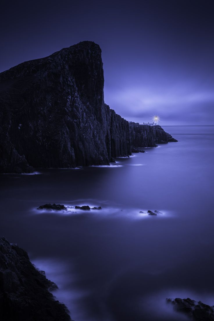 Plus de 1000 idées à propos de Collage: Black Blue White sur ...