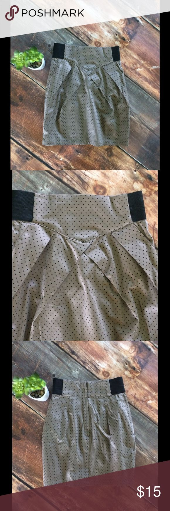 NWT H&M mini skirt Brand new with tags H and M never been worn beautiful tan and black small polka dot high waist pencil skirt with zipper and button closure in back. So cute! H&M Skirts Mini