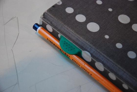 Add a pencil holder to the spine of your sketchbook | gurus | The future needs fixing