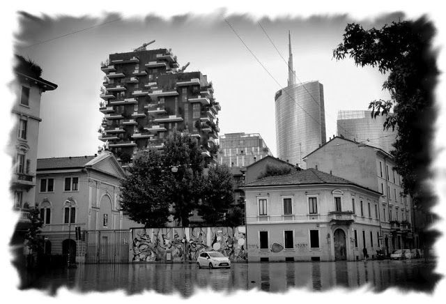 Milano Isola - Piazza Minniiti (8 luglio 2014, esondazione del Seveso)