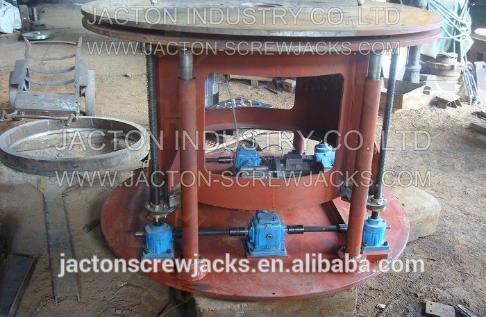 pakistan pk client motorized jack system with four JTW-2.5T worm gear screw jacks and two JT19 1:1 ratio bevel gear boxes
