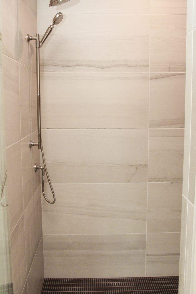 12x24 Wall Tile Grid Pattern In Walk In Shower Niche Bathroom