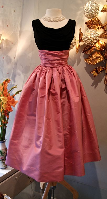 1950's Bubble gum silk taffeta skirt with black silk jersey top