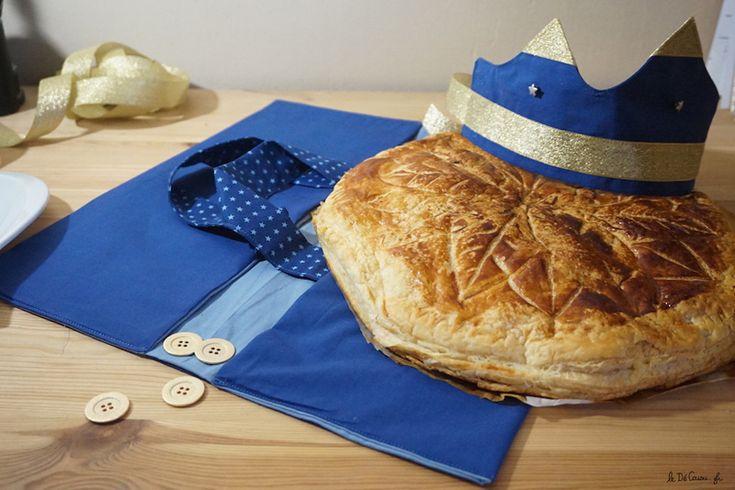 couronne et sac à galette des rois couture Frou-Frou par Le Dé Cousu. Tissu Bleu intense