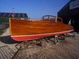 1934 mahogany motor yacht, designed by Ruben OstlundBoats Life, Mahogany Motors, Boats Yachts, Fresh Varnish, Dry Rotting, Classic Sales, 1934 Mahogany, Woodenboat Sweing, Motors Yachts