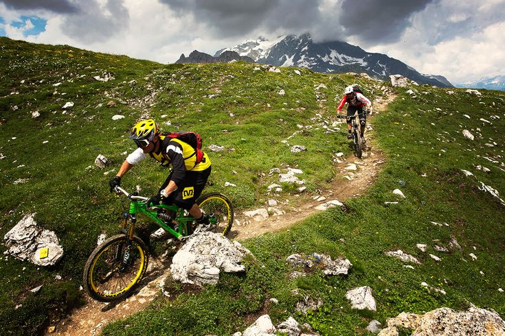 trailAddiction - Mountain Biking Holidays in Les Arcs, Alps - All-Mountain Alpine Singletrack and Enduro TrailridingTrail Addiction