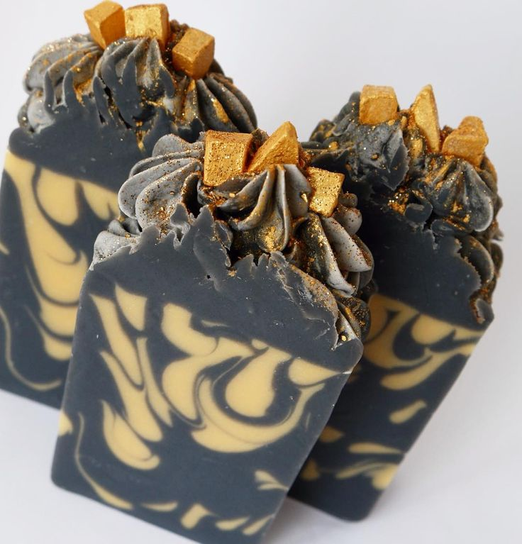 Black Gold made with activated charcoal and 24k gold mica. Smells like fresh laundry. Available @portobellowest May 28-29. . . #soap #soapcrafting #soapmaking #coldprocess #coldprocesssoap #cpsoap #soapshare #handmade #handmadesoap #handmadeinbc #yvr #vancouver #shoplocal #supportlocal #portobellowest #craftfair #craftmarket #suminspiration #inspirationsoap