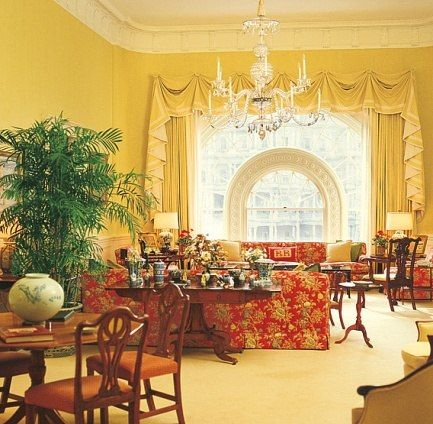 Whitehouse West Room During The Reagan Administration Interior Design Ted Graber White House Rooms Usa