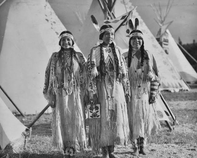 White Wolf : Rare Photos Show The Fascinating Beauty Of The Yakama Native Women