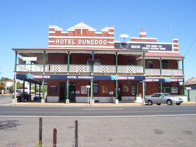 Dunedoo Great Aussie Pubs - CAMP OVEN COOKING IN AUSTRALIA (COCIA®)