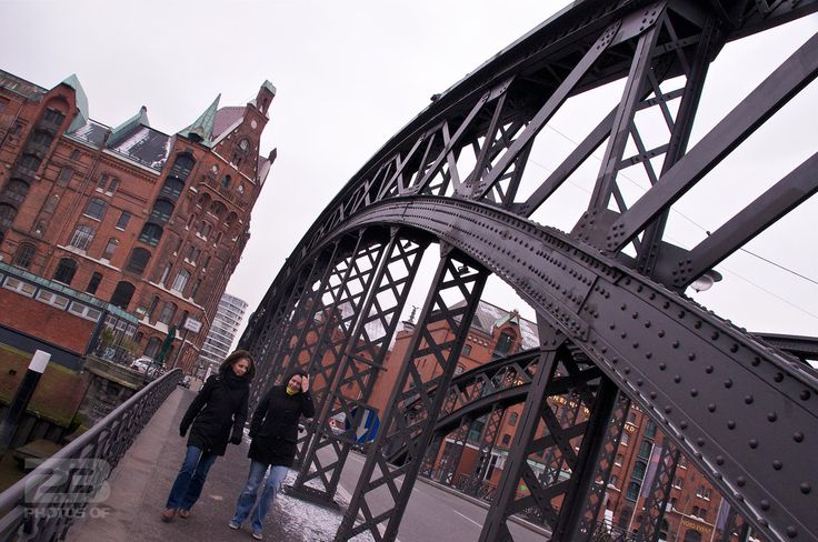Crossing the Binnehafen photo | 23 Photos Of Hamburg