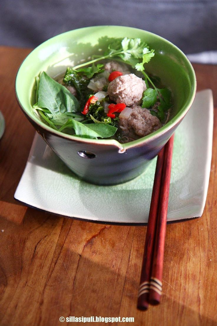 SILLÄ SIPULI: Vietnamilainen lihapullakeitto, versio 2