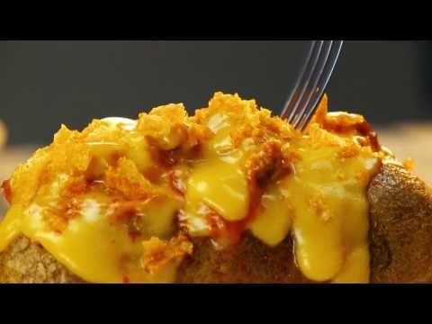 Печеный картофель по-строгановски - YouTube