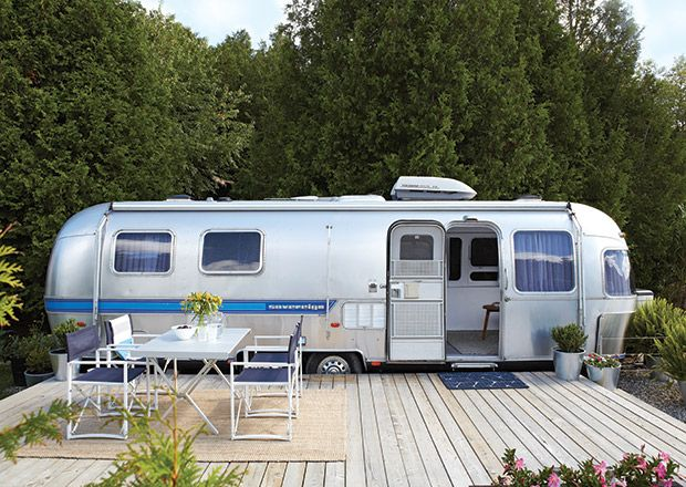les 25 meilleures id es de la cat gorie caravanes airstream sur pinterest airstream vintage. Black Bedroom Furniture Sets. Home Design Ideas
