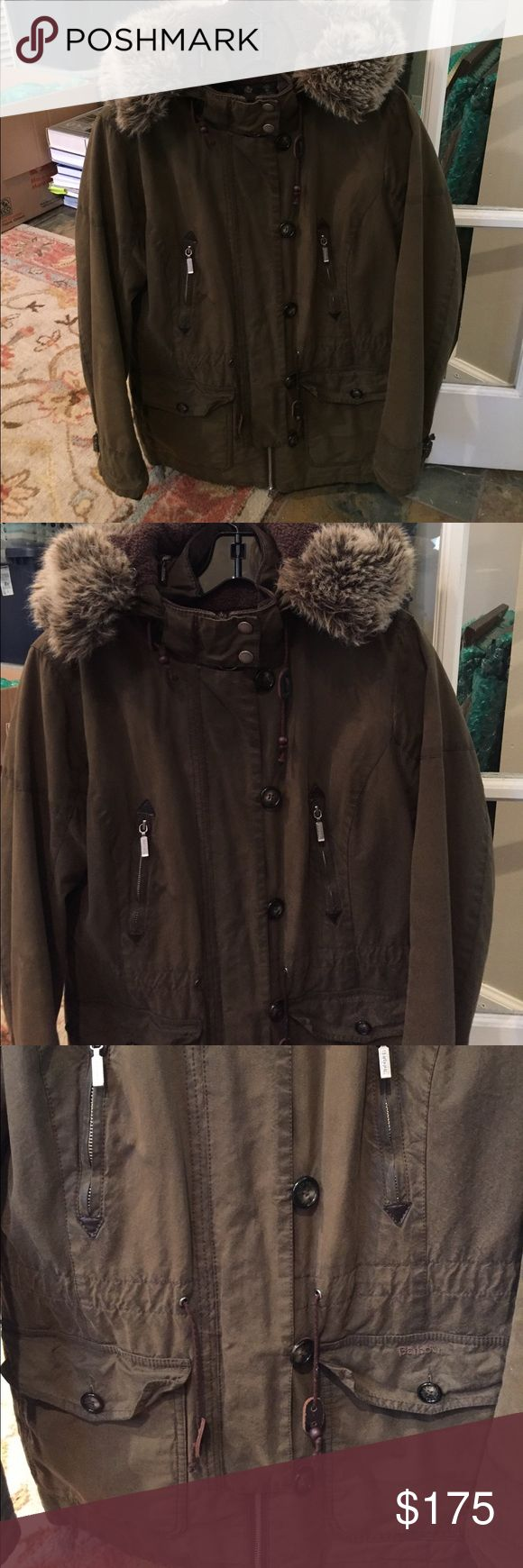 Barbour Vintage Troop Waxed Parka Jacket!! Barbour Vintage Troop Waxed Parka Jacket!!! Hood can be removed and fur is detachable!! Drawstring waist! Crazy warm!! Barbour Jackets & Coats Utility Jackets
