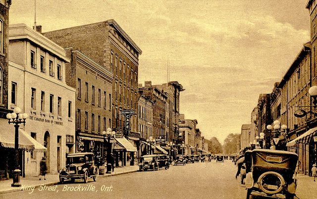 King Street, Brockville, Ontario, about 1930   -- from postcard   (Brockville Museum collection)