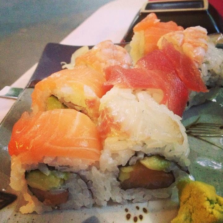 Tasty #uramaki salmon I love #sushi