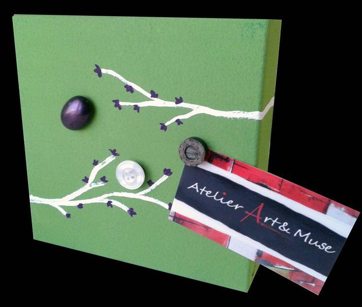 Toile aimantée, boutons aimantés,blanc, vert, branche, cadre, peinture abstraite, aimants, oeuvre unique, personnalisée, décoration de la boutique AtelierArtetmuse sur Etsy