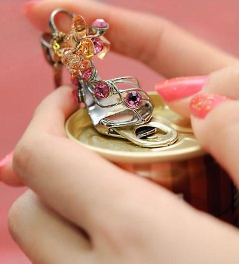 Pull tab opener by japanese artisan アクセサリーとしても楽しみたい!新潟・燕三条の職人技による逸品、美しきプルタブオープナー