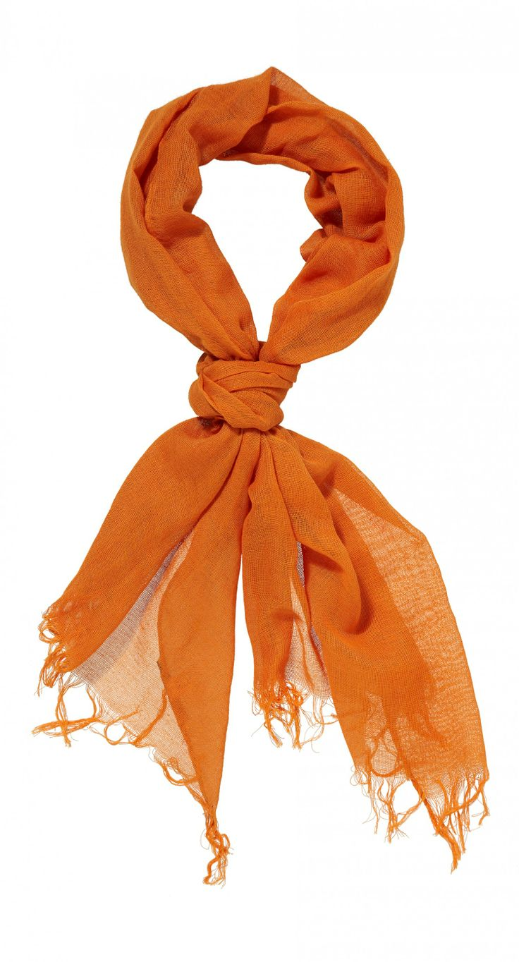 Orange Shawl: http://www.vangils.eu/nl/sjaal #KNVB #supportinstyle