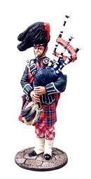 The Royal Edinburgh Tatoo - The Lone Piper