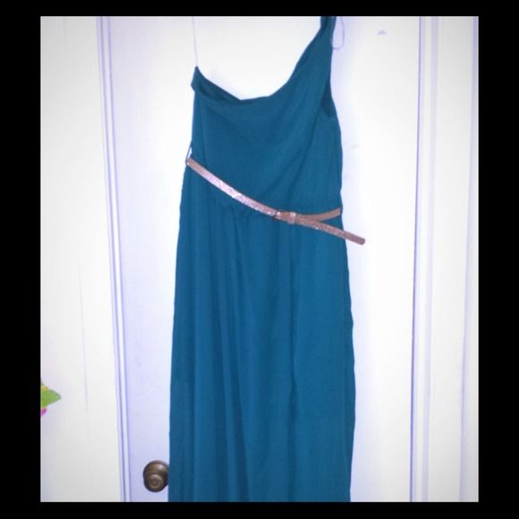 Turquoise one shoulder strap dress Long length, one shoulder dress. Has a shimmer glitter belt, one split on left  side. Dresses