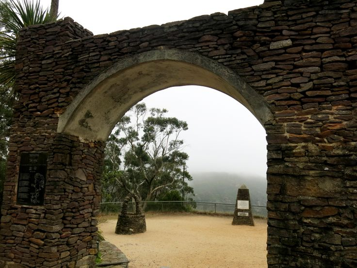 Misty mornings at Govetts Leap, Blackheath NSW