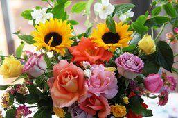μπουκέτο των διαφορετικών λουλουδιών