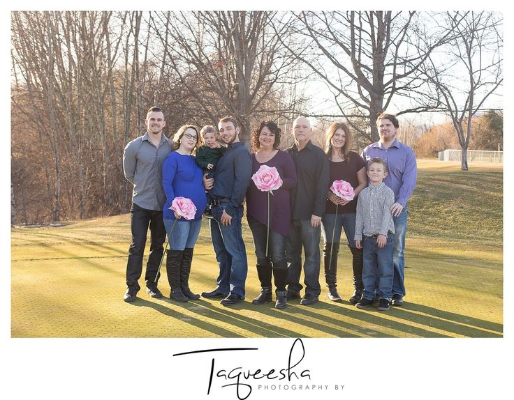 Adult family photos, taking photos with adult children. Photography by Taqueesha