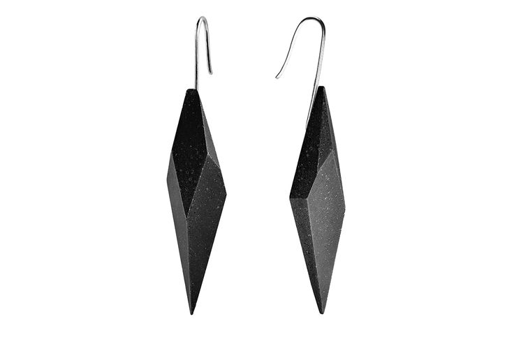 Concrete earrings Gravelli Wally in anthracite variant.