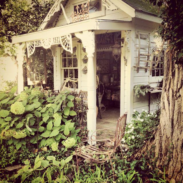 Rebecca Ersfeld: Vintage Living Sale...