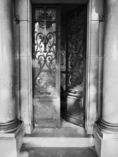 Montparnasse Cemetery // Paris, France