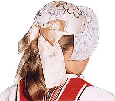 Silk cap embroidered by hand. Part of the Kiikka folk dress, Finland | kiikka kansallispuku - Sök på Google