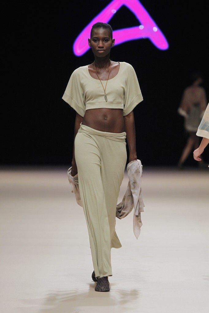 Etikology - Pasarela Adlib 2016 - Nanou Couture Organic fashion, natural dye  #ecodye #slowfashion #handmade #ibiza Organic trousers, top and pashmina
