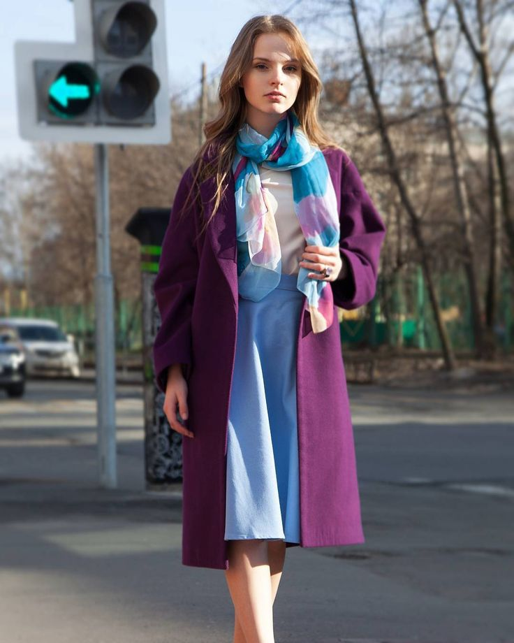 Мне нужна эта одежда!  говорят те кто видел модели бренда I'll be back. Дизайнер Вероника Миллер создает нежнейшие пальто и яркие струящиеся платья.   Можно примерить в Гардеробе! #gardbe #гардероб #одеждапоподписке #русскиедизайнеры #illbeback