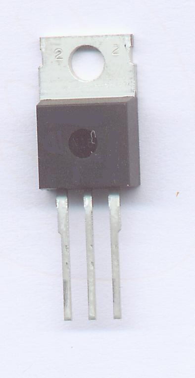 Przy pracy tranzystora jako przełącznik wykorzystuje się przejście między stanem nasyconym (tranzystor włączony) a zatkanym (tranzystor wyłączony). Taki tryb pracy tranzystora jest stosowany w niektórych układach impulsowych oraz cyfrowych.